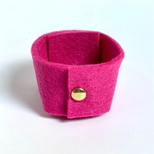 knallend roze vilten mini-mandje